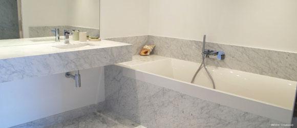 salle de bain marbre Carrare