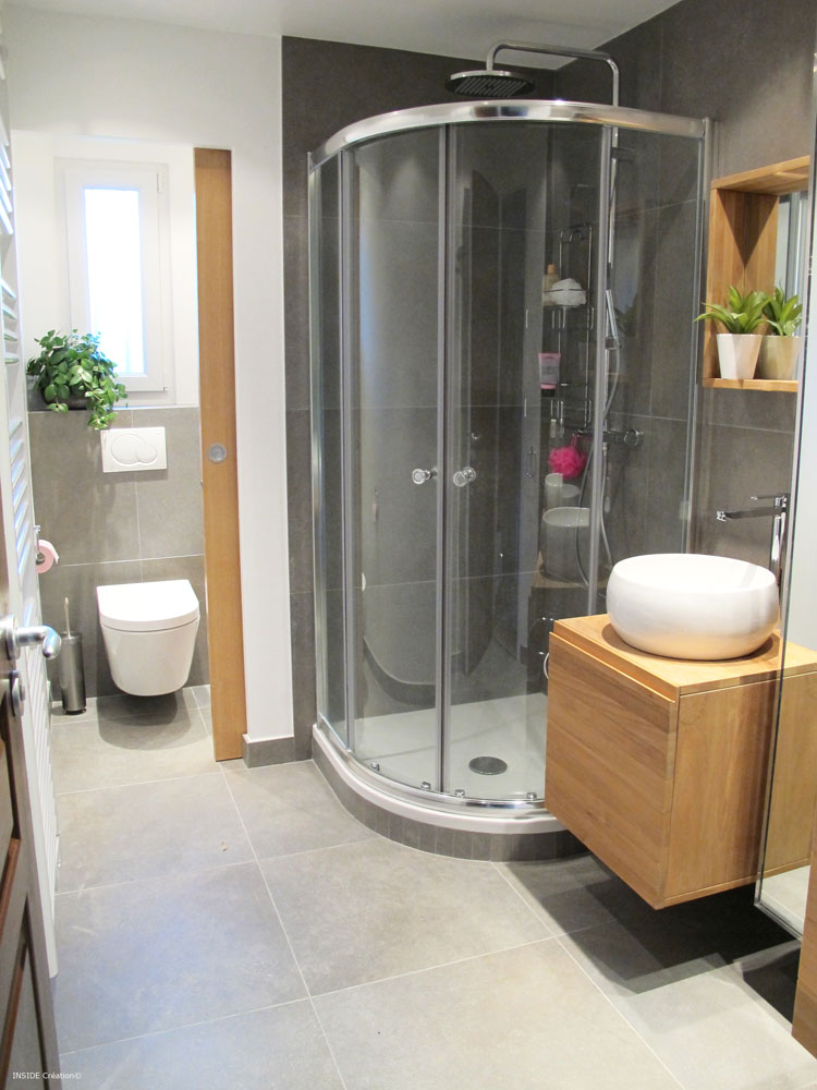Inside cr ation r novation de salle d 39 eau pour petit budget for Salle de douche 2m2